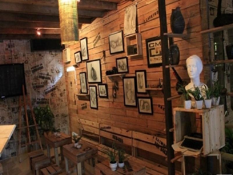 Làm gì để thu hút được khách hàng khi mở quán cà phê?