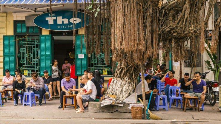 Việc lựa chọn địa điểm mở quán cafe cóc góp phần thu hút được khách hàng