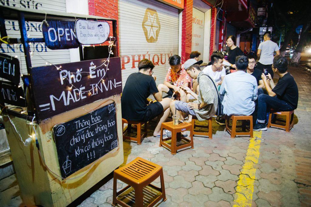 Quán cafe cóc hay còn gọi là quán cafe vỉa hè