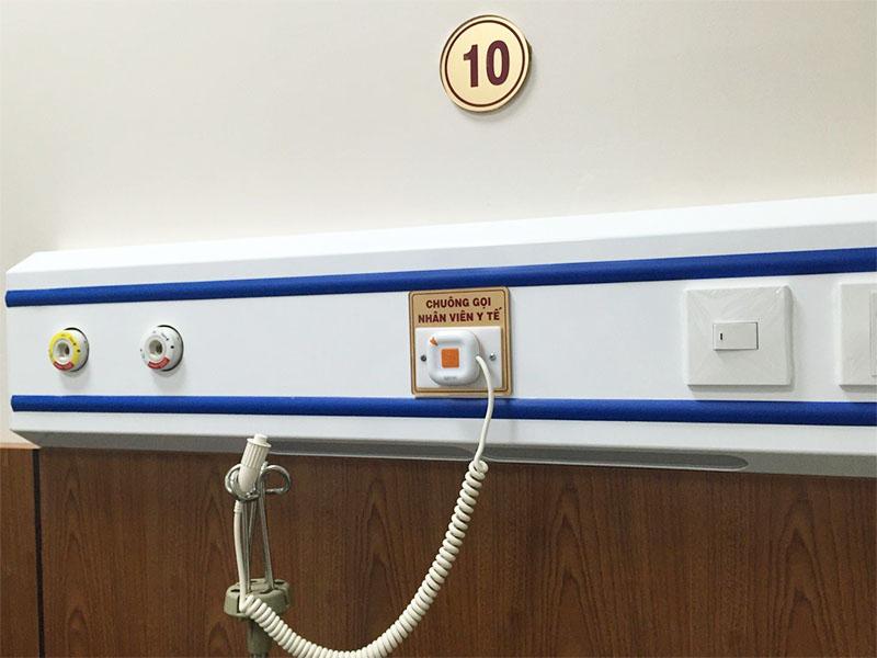 Nên chọn hệ thống chuông báo gọi y tá có dây hay không dây?