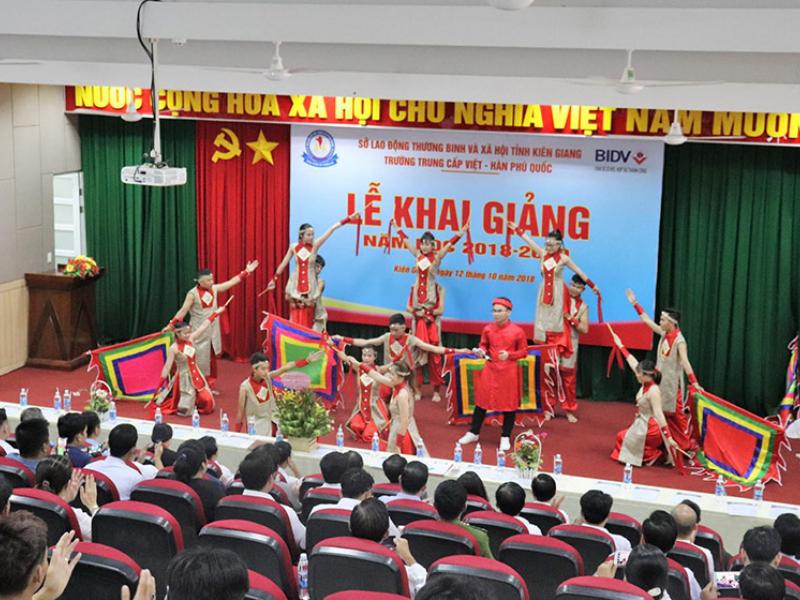 Âm thanh thông báo cho trường trung cấp Việt-Hàn Phú Quốc (3)