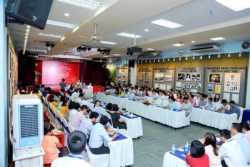 Âm thanh phòng họp cho trường Nguyễn Tất Thành