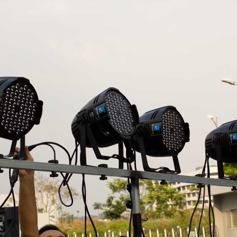 Đèn parled 54 tạo hiệu ứng ánh sáng sân khấu