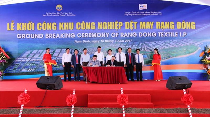 Lễ khởi công khu công nghiệp dệt may Liên Hoàng