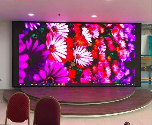 Thuê màn hình led trong sự kiện sinh nhật công ty