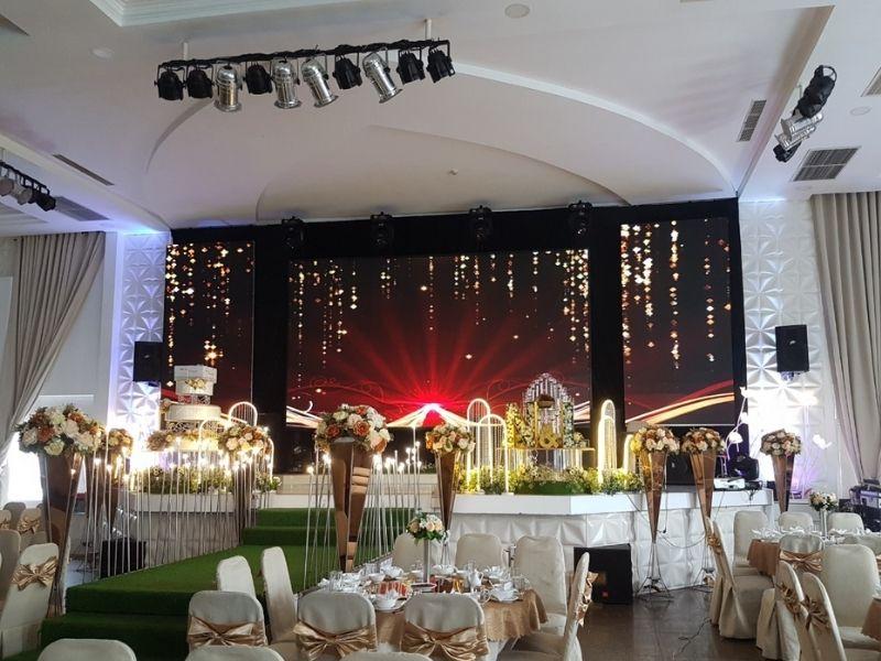 Màn hình led nhà hàng tiệc cưới mang đến sự sang trọng và chuyên nghiệp nhất