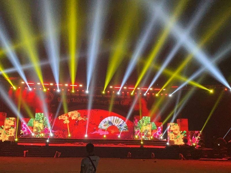 Thuê layer truss sân khấu ngoài trời sự kiện thường niên, sinh nhật công ty