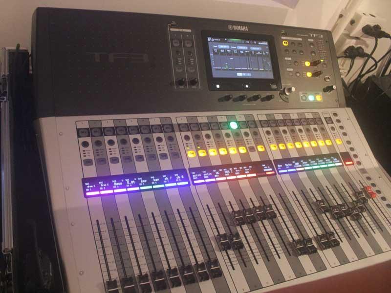 Cho thuê âm thanh ánh sáng của Firstsound tại ra mắt MV Ngô Kiến Huy-5