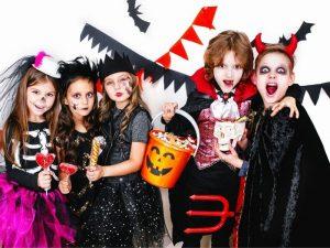 """Chia sẻ cách tổ chức sự kiện halloween chuyên nghiệp và """"Ma Quái"""""""