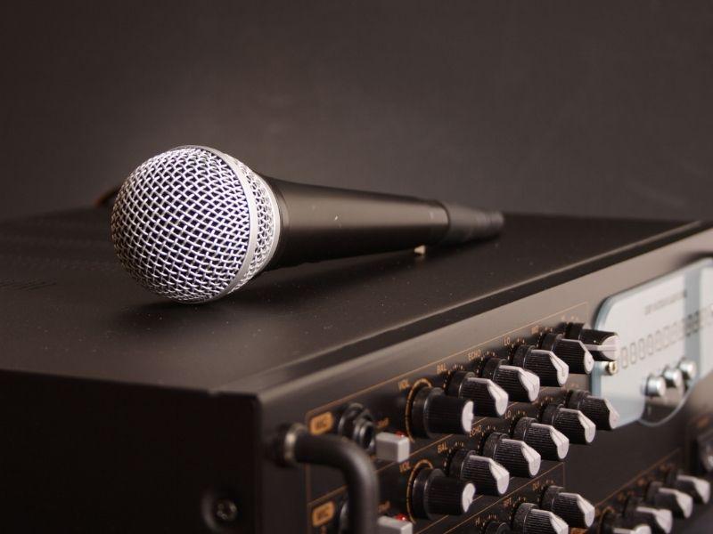 Kiểu dáng của đầu karaoke tạo nên sự chuyên nghiệp của dàn karaoke