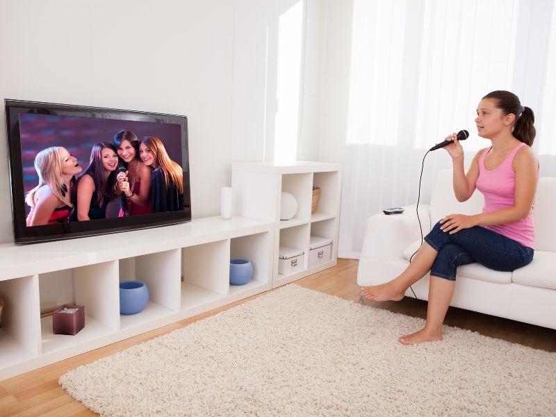 Thiết bị trong dàn karaoke gia đình chuyên nghiệp bao gồm những gì ?