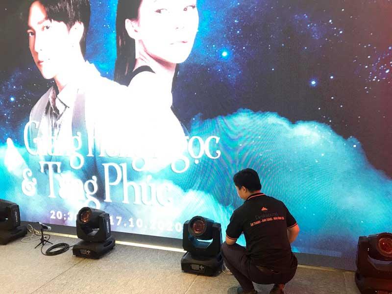 Kỹ thuật viên của Firstsound tại show của Tăng Phúc và Giang Hồng Ngọc-9