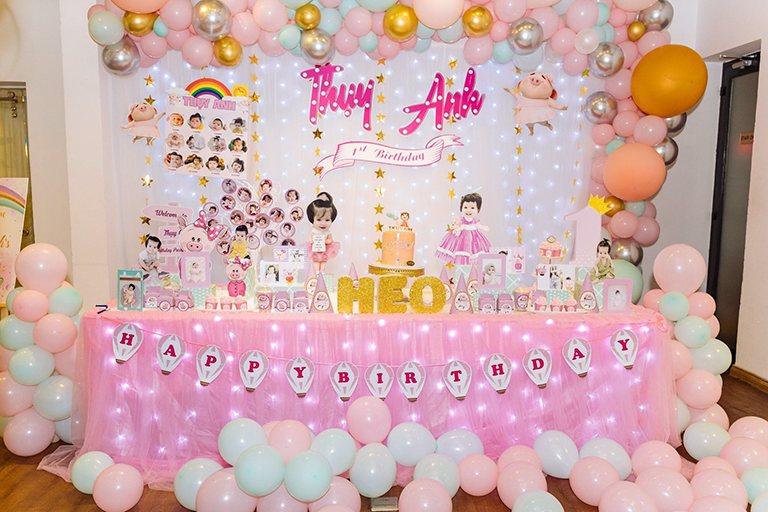 Chọn Firstsound trang trí bàn gallery chuyên nghiệp cho sinh nhật