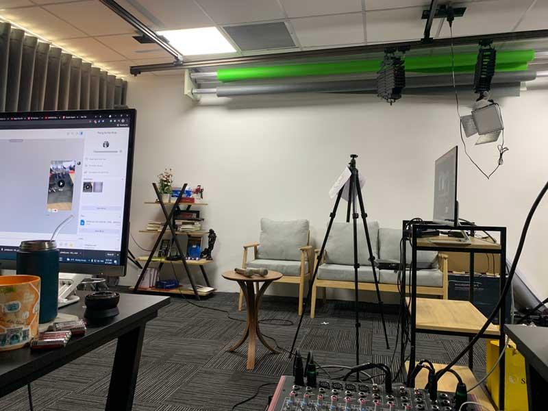 Cho thuê thiết bị livestream của Firstsound-3